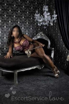 Sexy escort dame Naomi