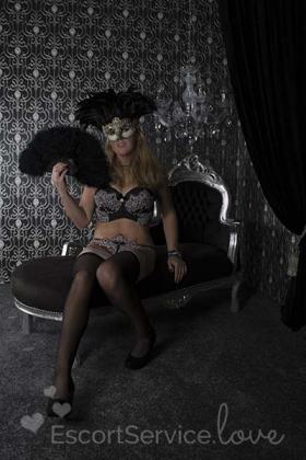 Blonde Nederlandse escort dame Mara